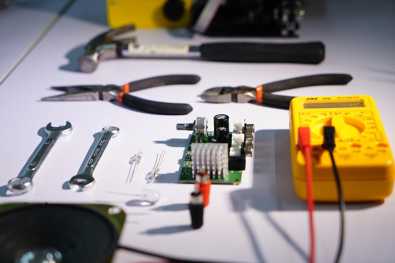 Travaux : l'importance du respect des normes électriques